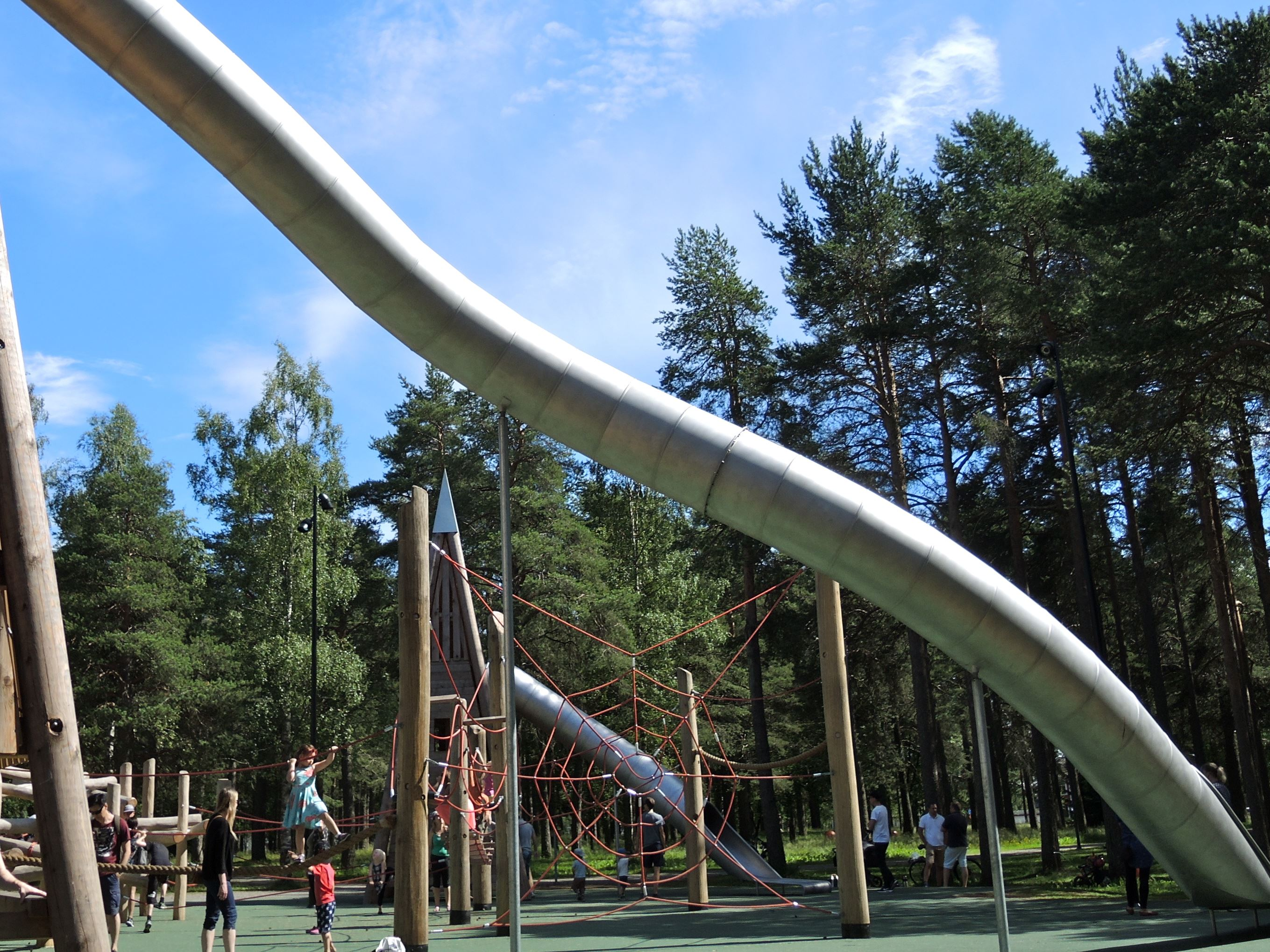 Hedlundadungen playground