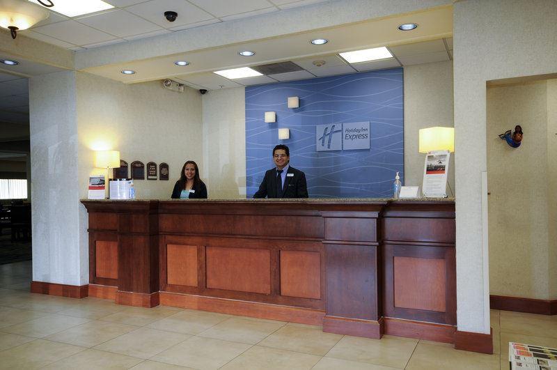 Holiday Inn Express & Suites Toluca Zona Aeropuerto