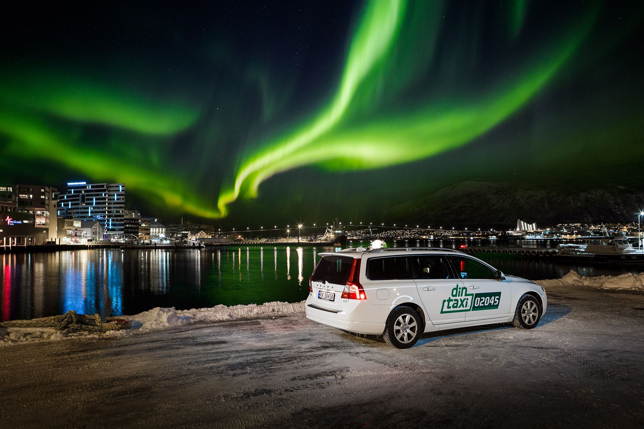 Northern Lights Chase by Taxi – Din Taxi