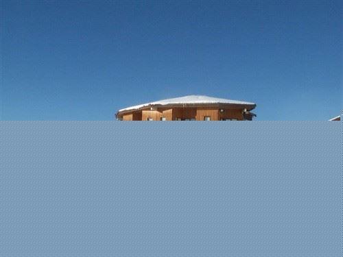 Studio 4 pers skis aux pieds / NECOU 701