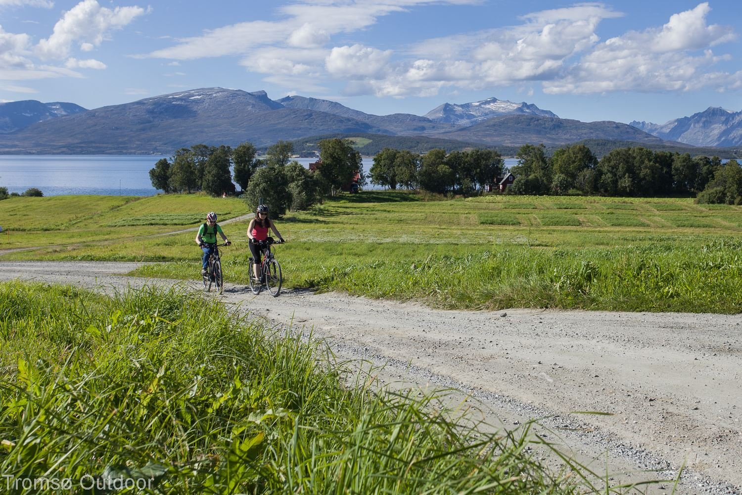 Explore Tromsø by E-bike - Tromsø Outdoor