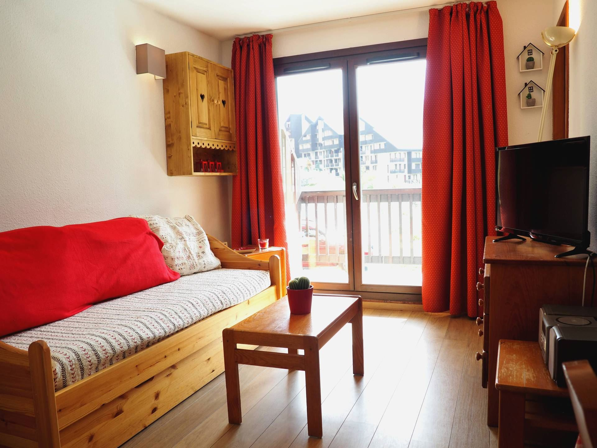 2 Rooms + cabin 6 Pers ski-in ski-out / BALCONS D'OLYMPIE 109