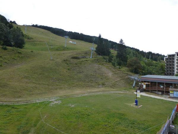 3 pièces 7 personnes skis aux pieds / ADRET 28 (Montagne de Charme)