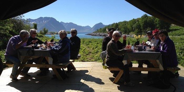 2 timers fjordekspedisjon - yttersia Senja - Basecamp Senja