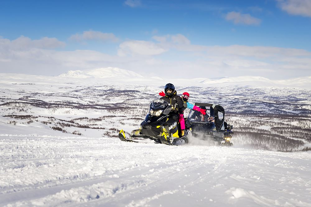 Snowmobile information for foreign drivers
