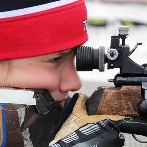 Foto: Nordiska Ungdomsspelen,  © Copy:Visit Östersund, Skidskytteåkare