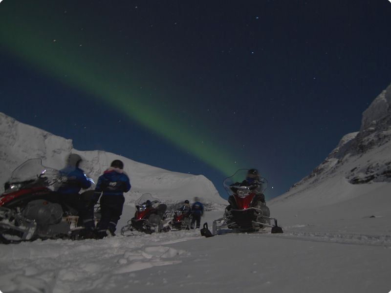 Northern Lights Snowmobile Safari Camp Tamok - Lyngsfjord Adventure