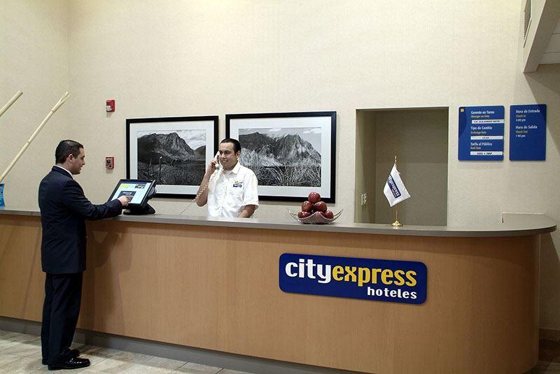 City Express® Chihuahua
