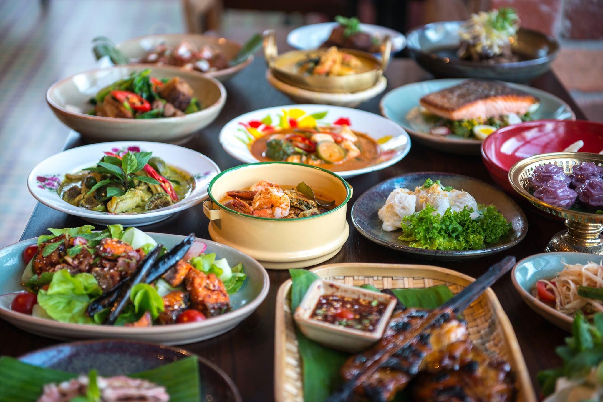 Thaibuffet og åpen bar
