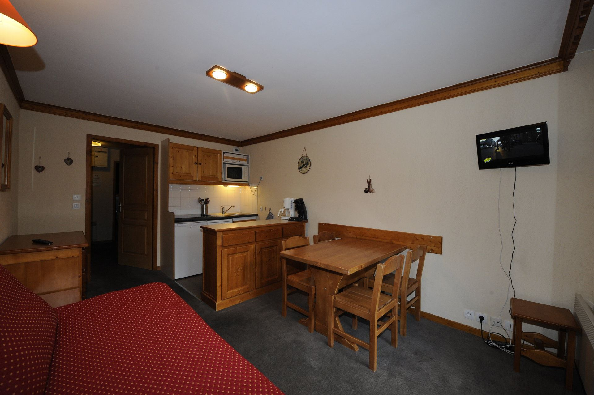 2 Rooms 4 Pers ski-in ski-out / VALMONT 713