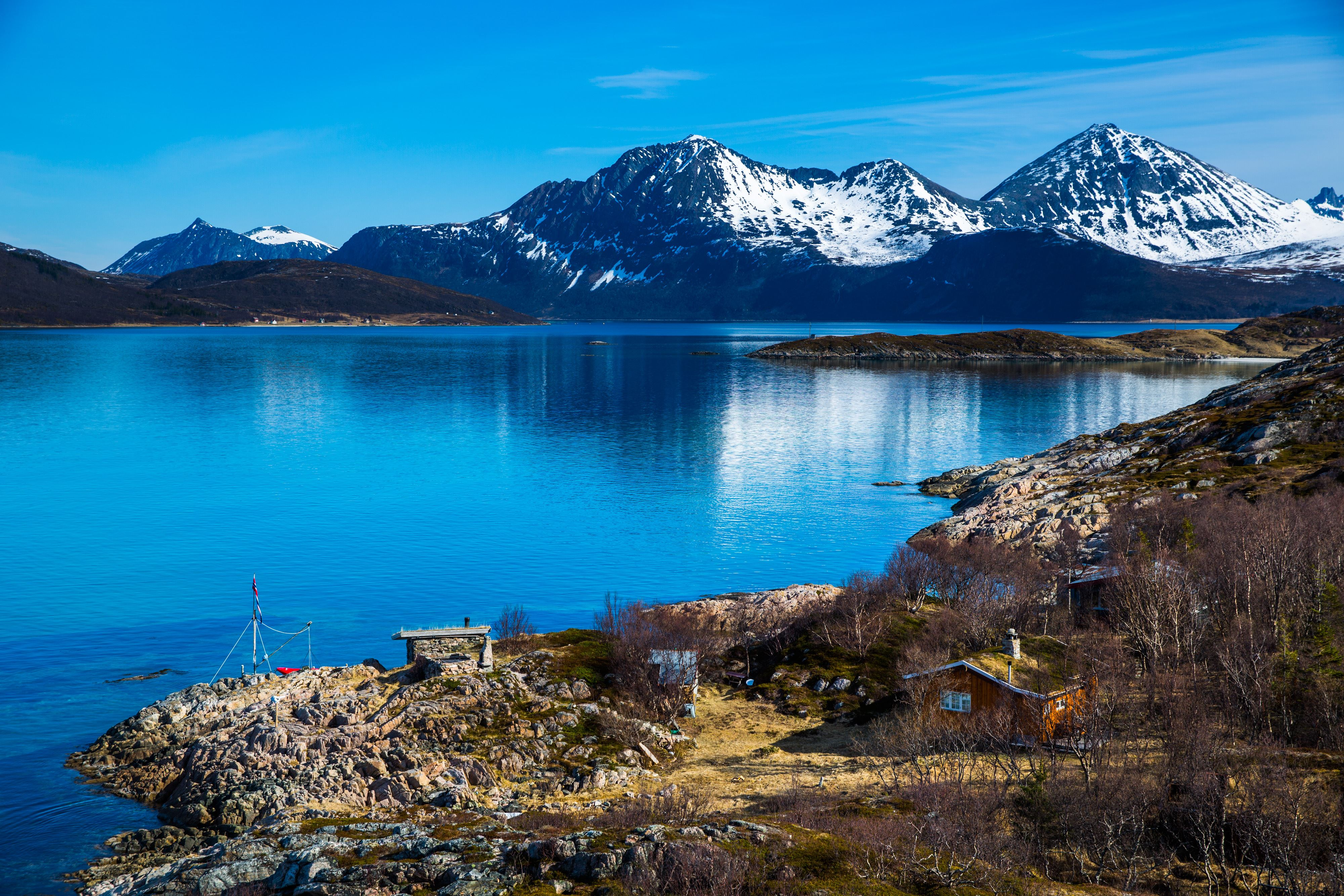 EXPLORE THE FJORDS - a trip by car along the coast of Kvaløya – day tour - Ersfjordbotn Brygge