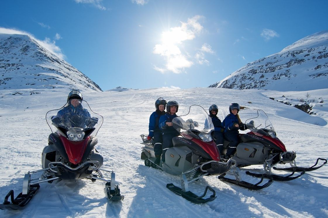 Snowmobilesafari - Daytime - Lyngsfjord Adventure