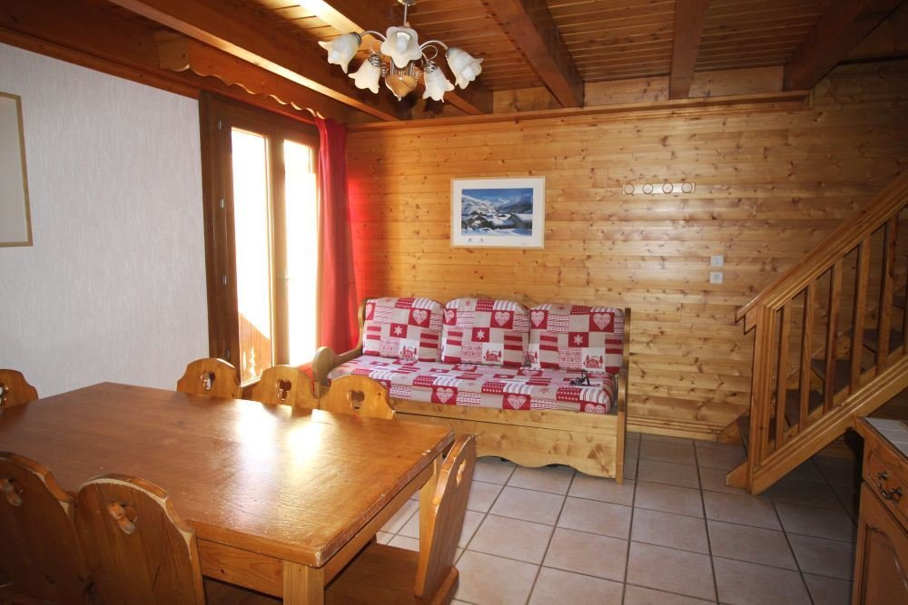 4 Room 6 Pers ski-in-ski-out / La Voute 3