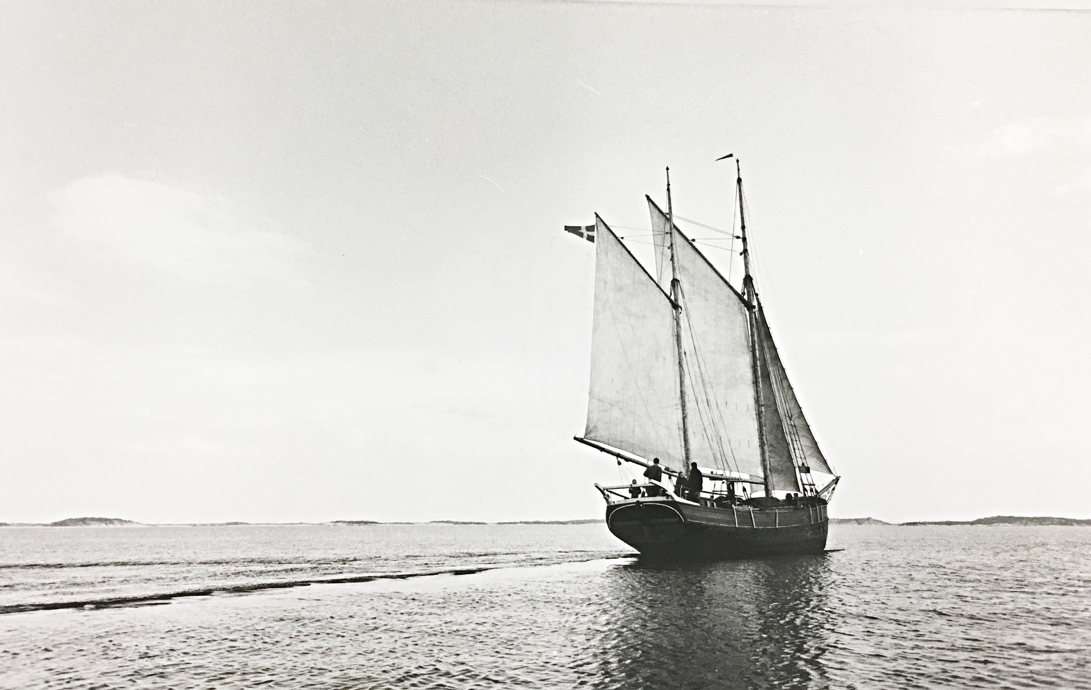 Uppsökande kultur - Över sund över hav