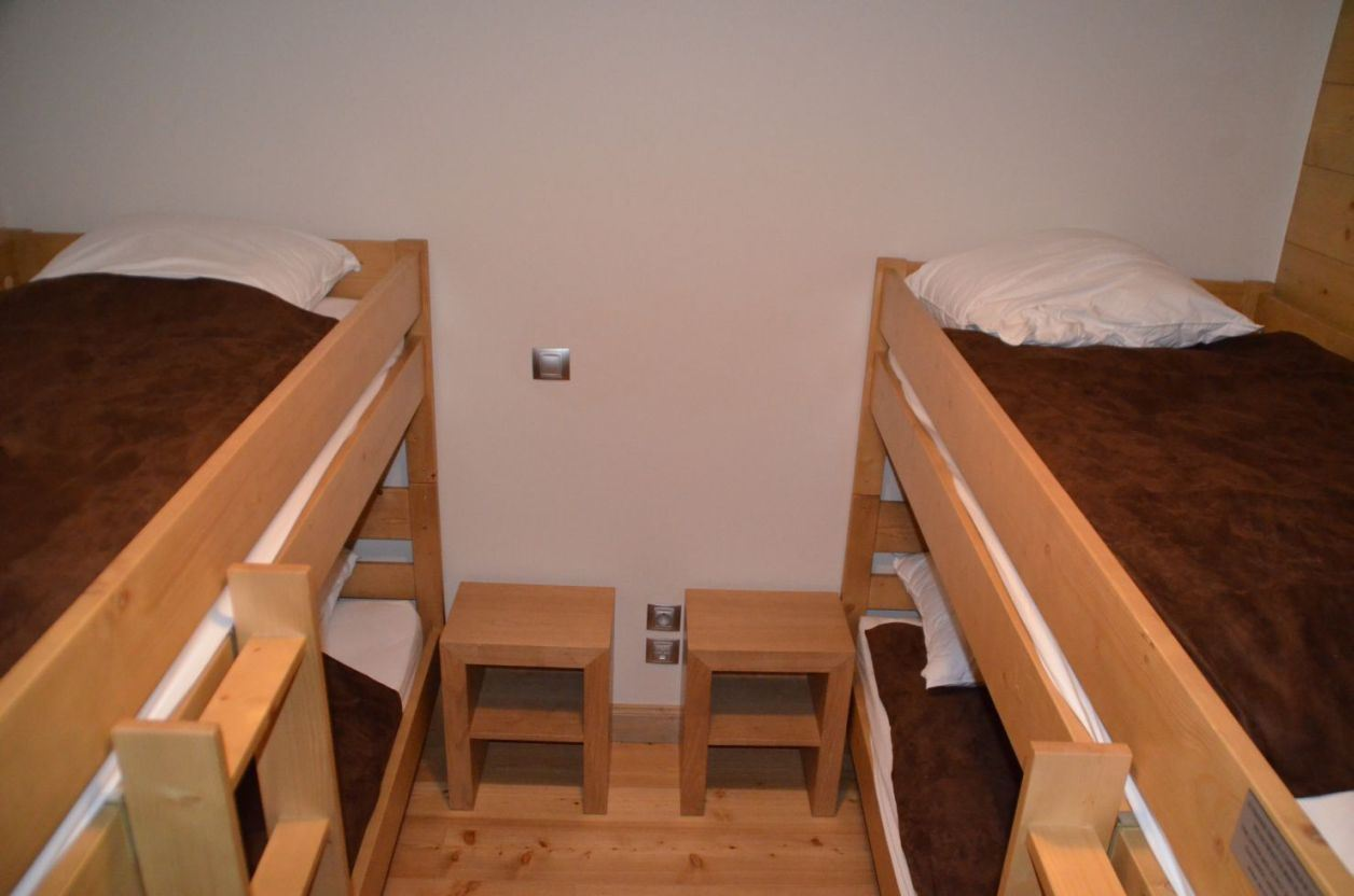 4 Rooms 6 Pers ski-in ski-out / CHALET ADELE 12