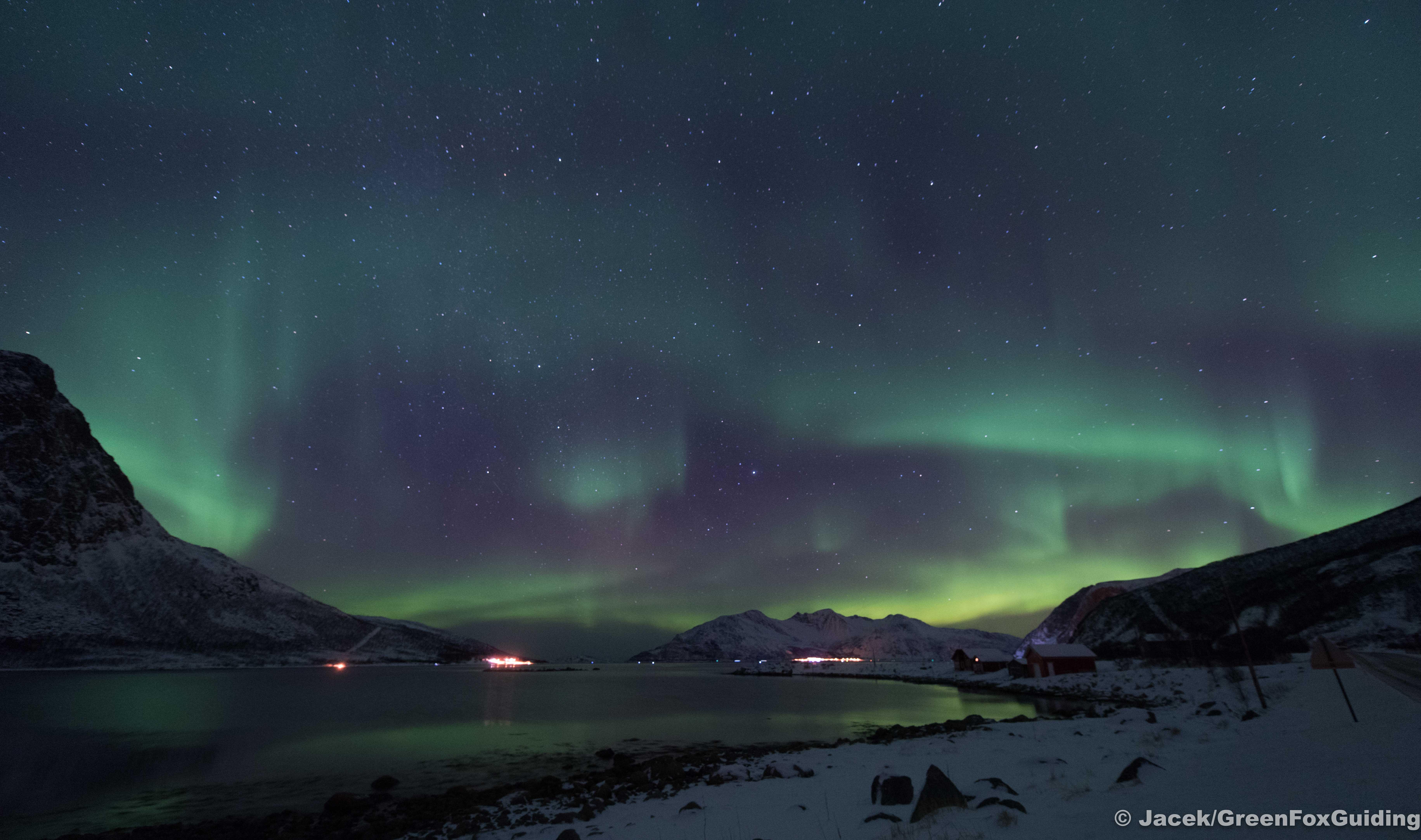 Nordlysjakt - Når himmelen blir full av magi - Green Fox Guiding