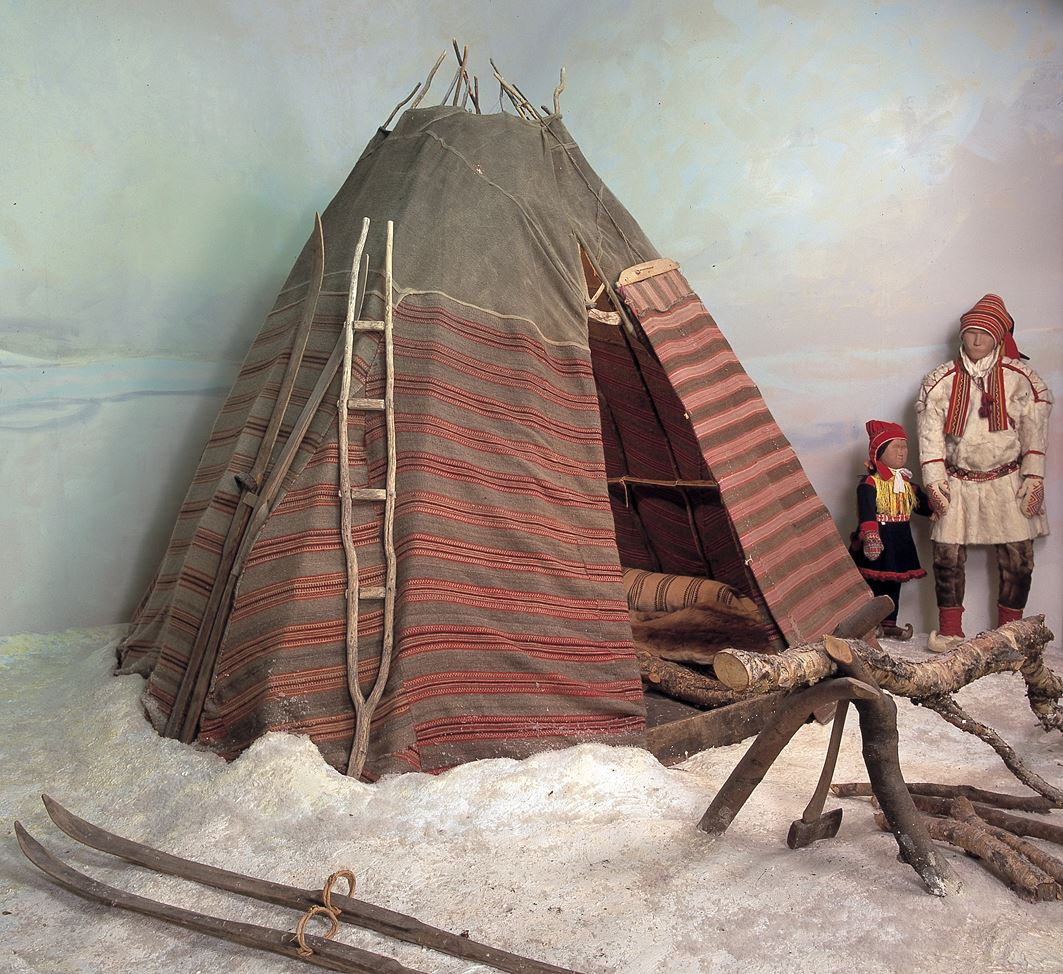 Guided exhibition tour – Tromsø Museum