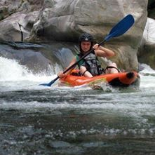 Kayak Inflable en Rapidos Nivel II - IV en Rio Cangrejal
