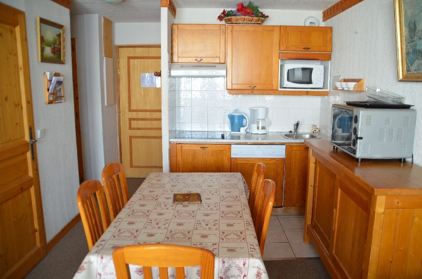 2 Rooms cabin 4/6 Pers ski-in ski-out / ARGENTIERE 102