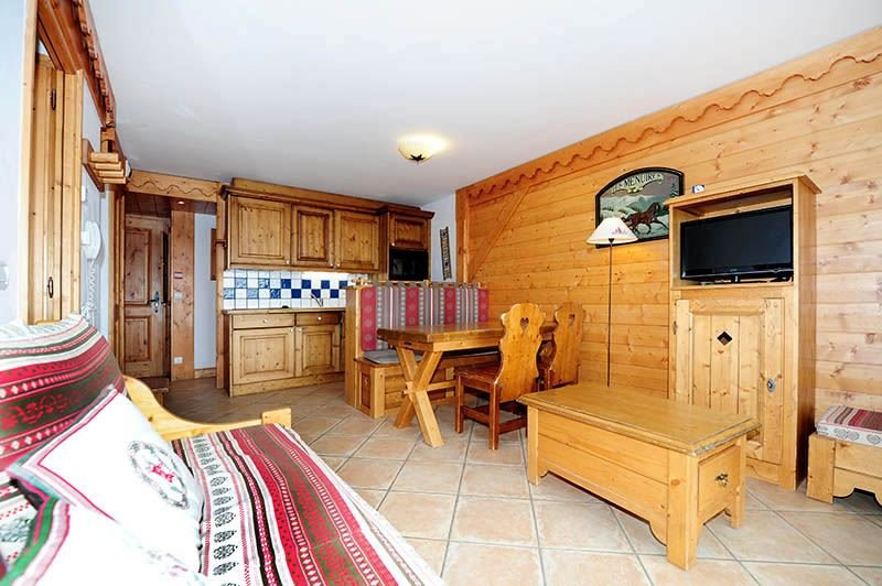 2 Rooms + cabin 6 Pers ski-in ski-out / ALPAGE DE REBERTY 17E