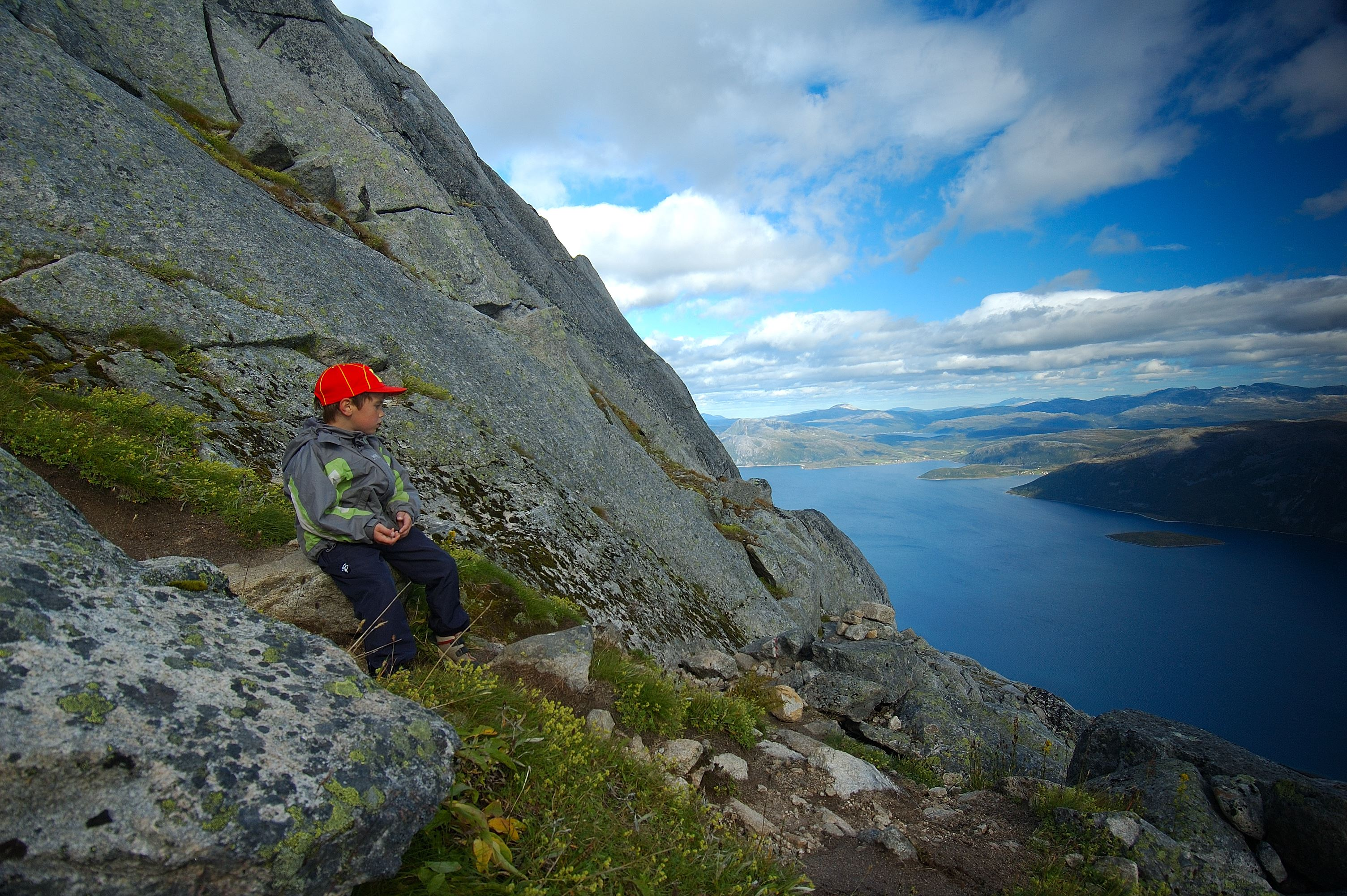 Mountain hike - Tromsø Safari
