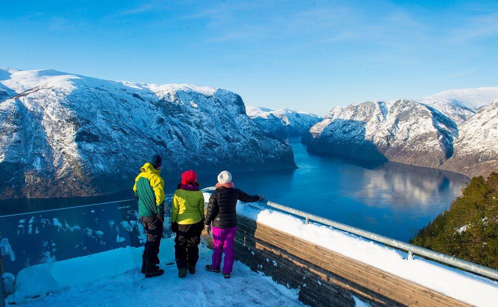 © Sverre Hjørnevik, Trugetur ved Stegastein Utsiktspunkt