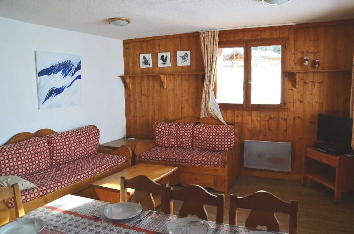 4 Rooms 6/8 Pers ski-in ski-out / COURMAYEUR 323