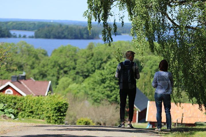 Vandra med vy Lunnabacken–Kärrasand.
