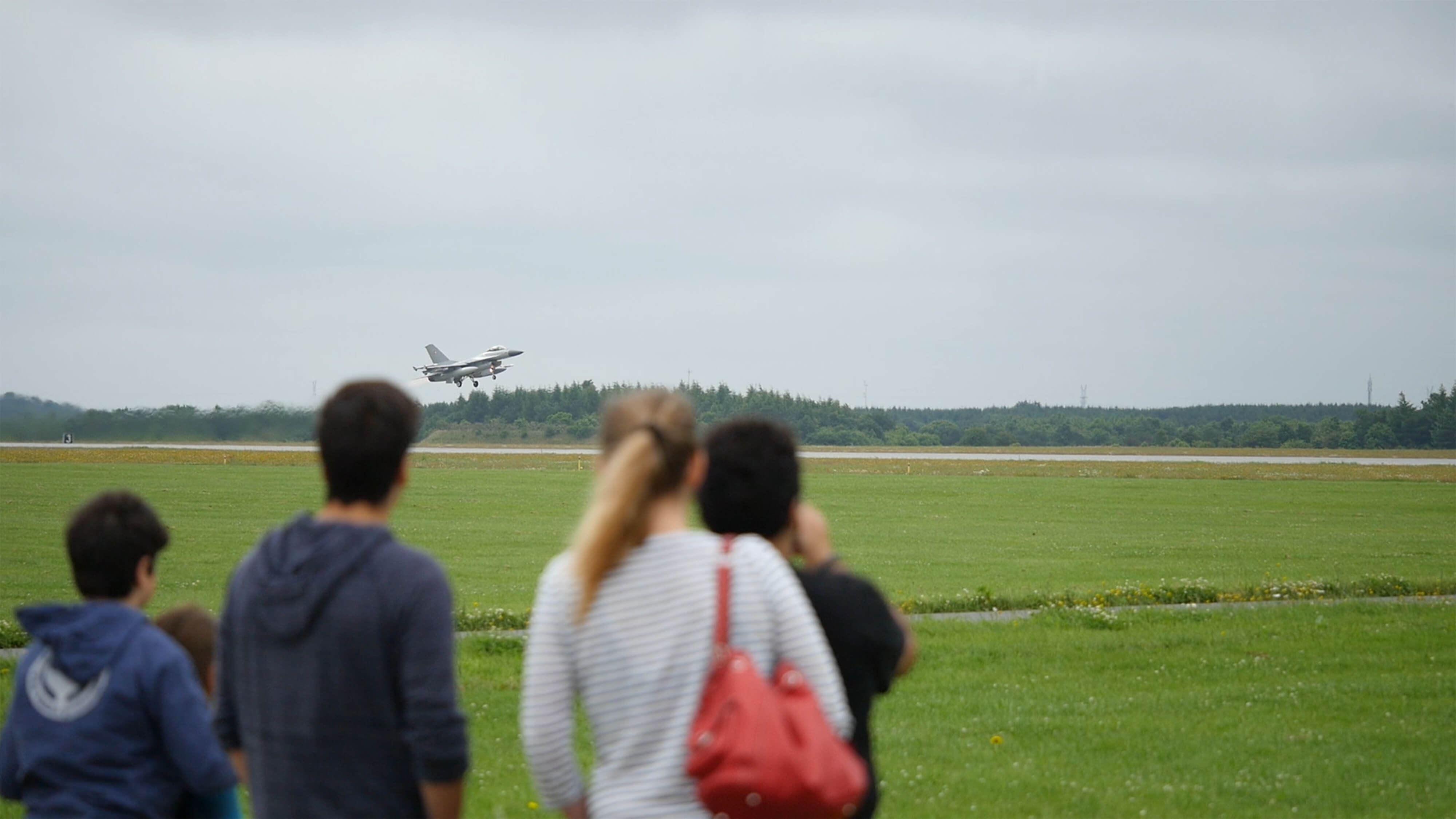 Bei Fighter Wing Skrydstrup können Sie die F16-Flieger aus nächster Nähe erleben