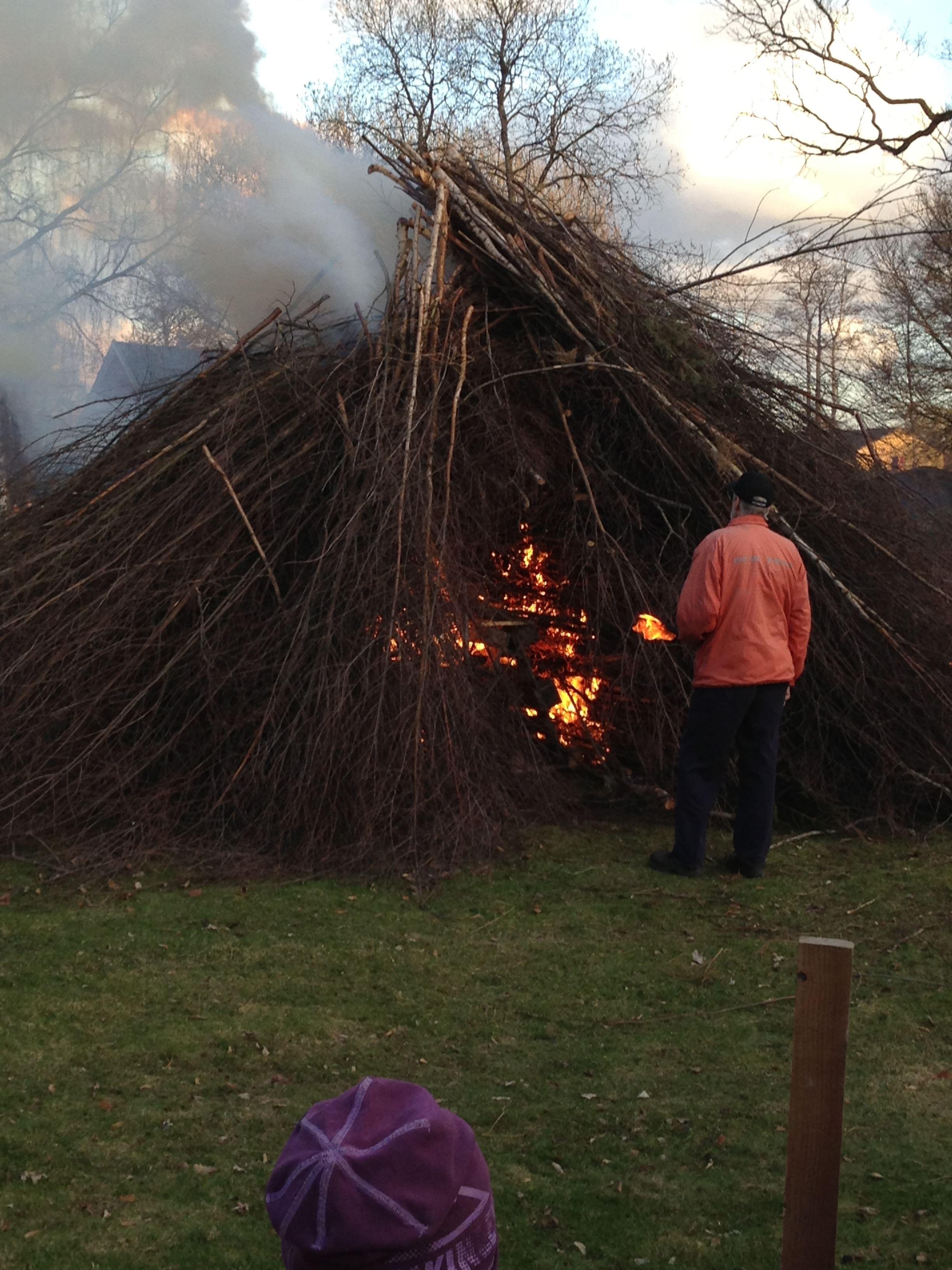 Traditionell valborgsfirande i Lagans hembygdsgård