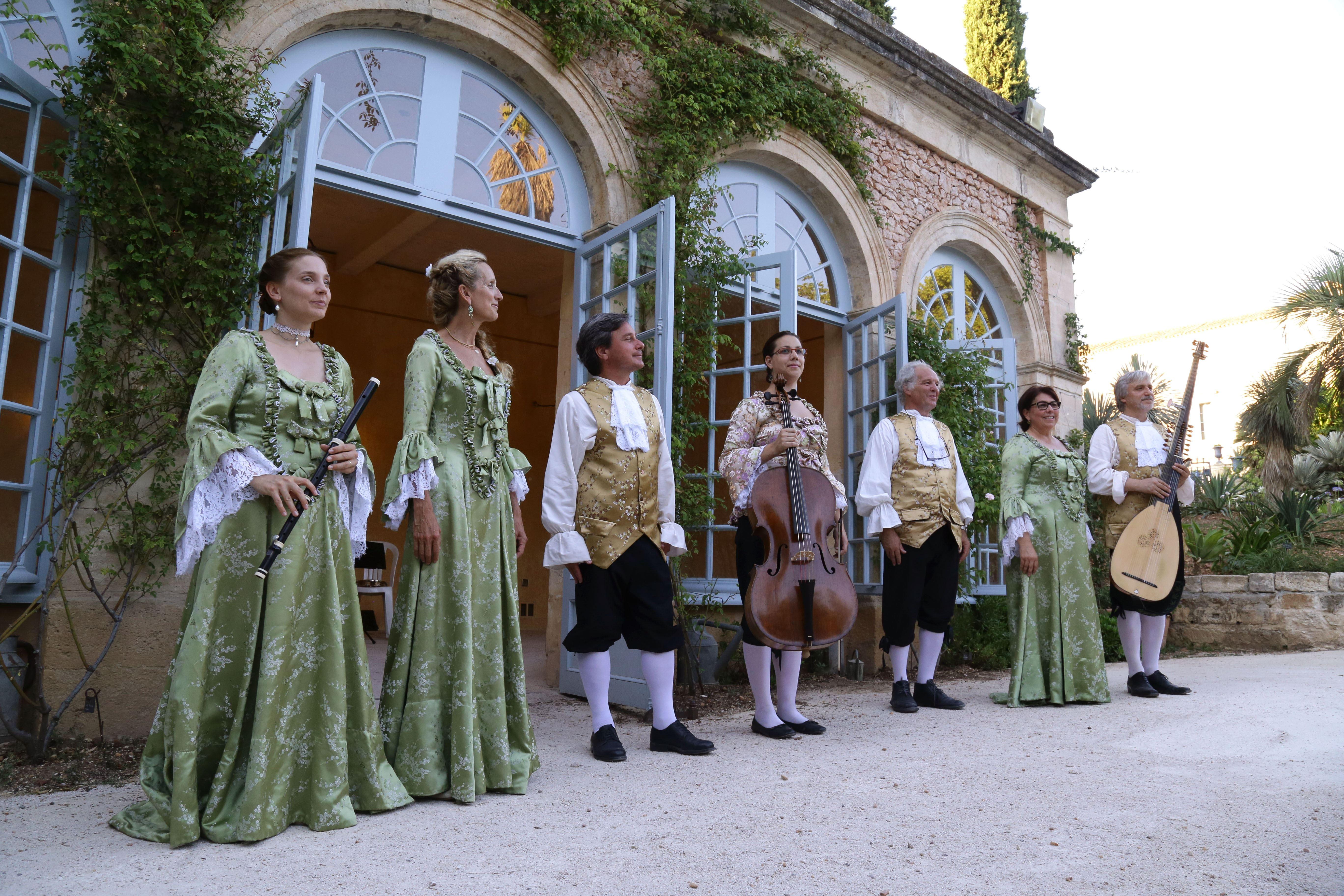 Visite guidée musicale Château de Flaugergues et pique-nique sous les étoiles