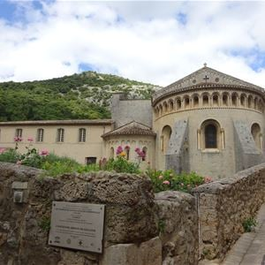Medieval and rustic getaway St Guilhem le Désert with Belle Tourisme