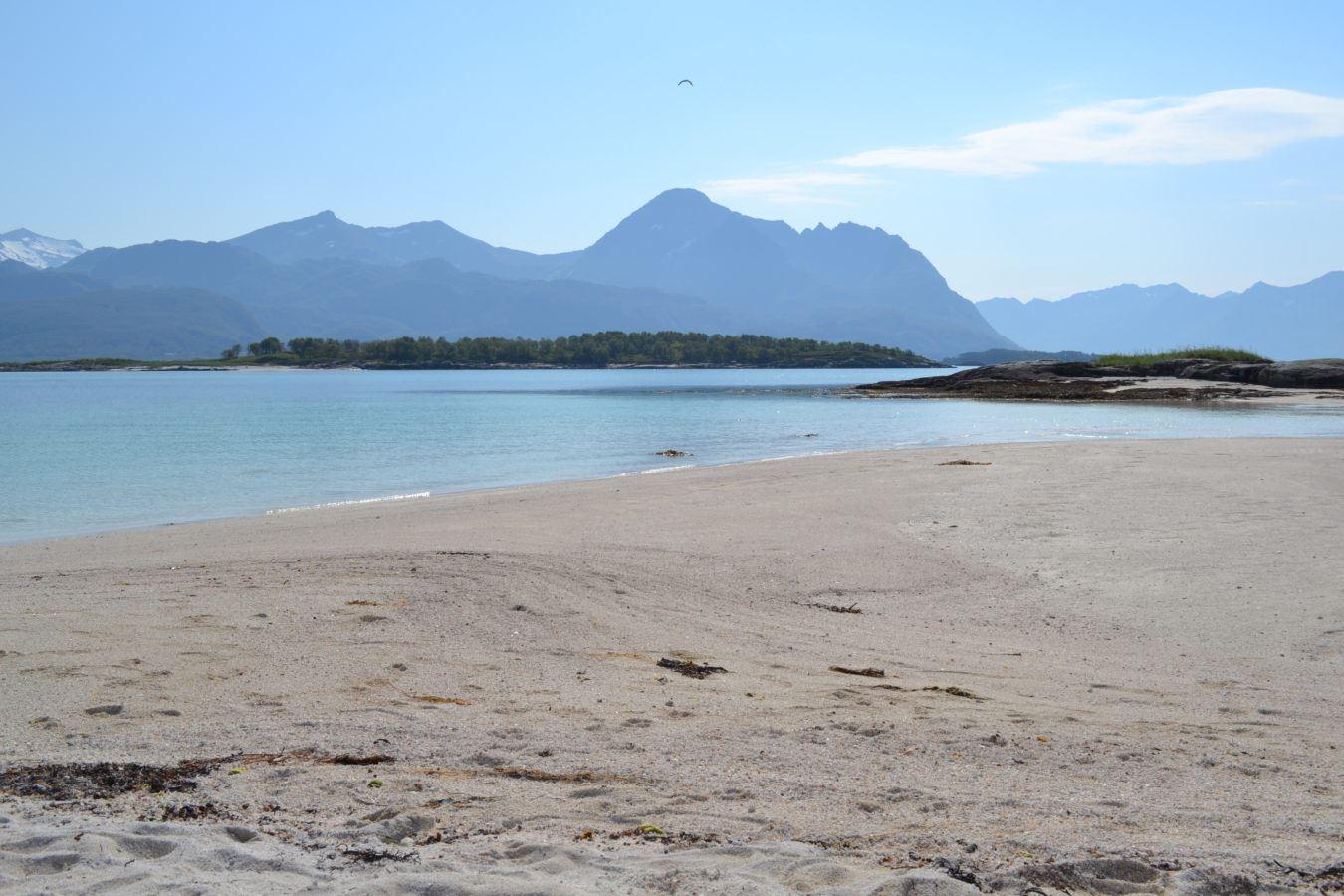 Strandet for en dag - Hamn i Senja