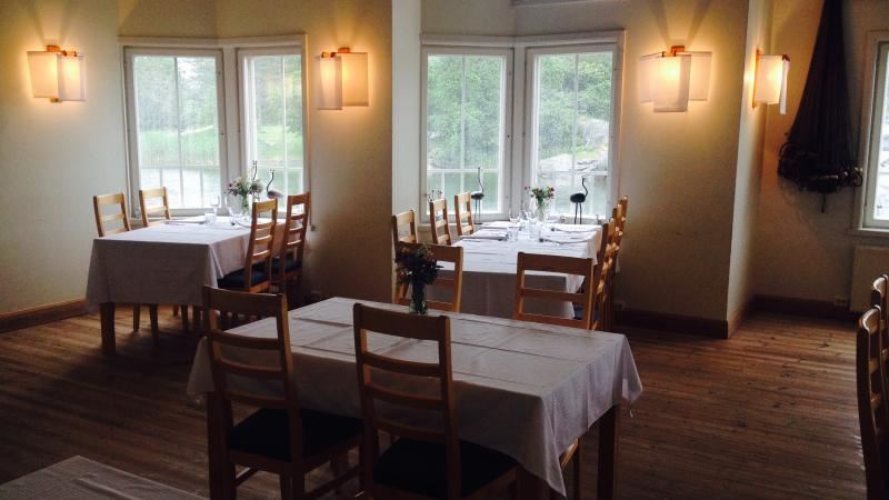 Brudhäll Hotell & Restaurang