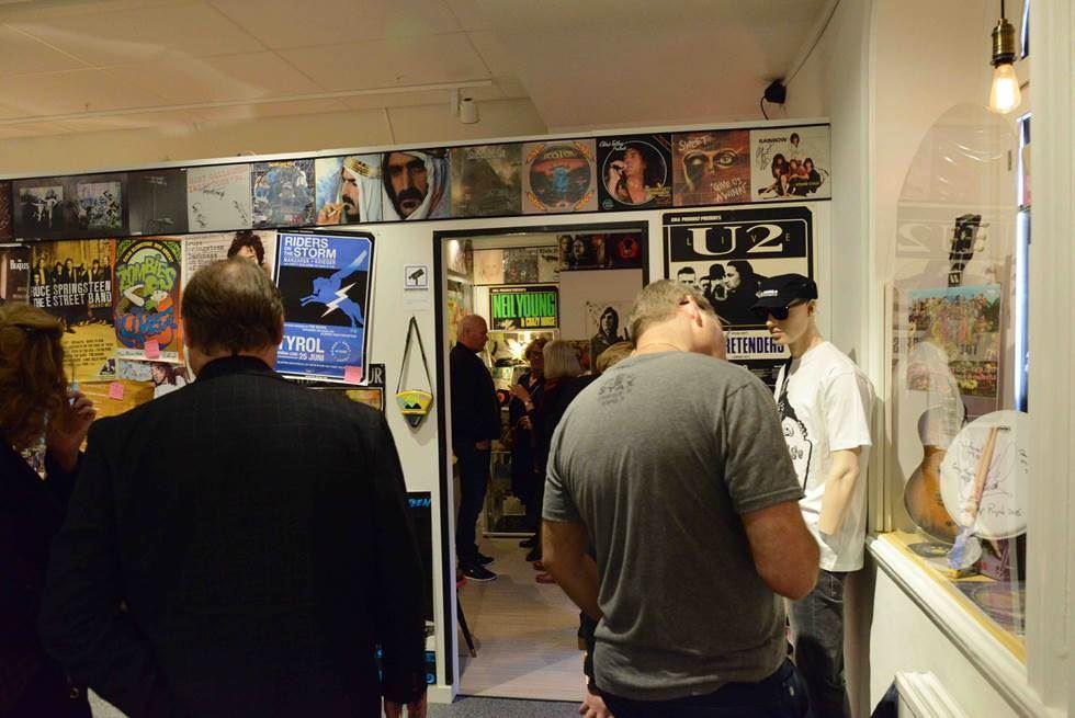 Utställning på Guitars – the museum
