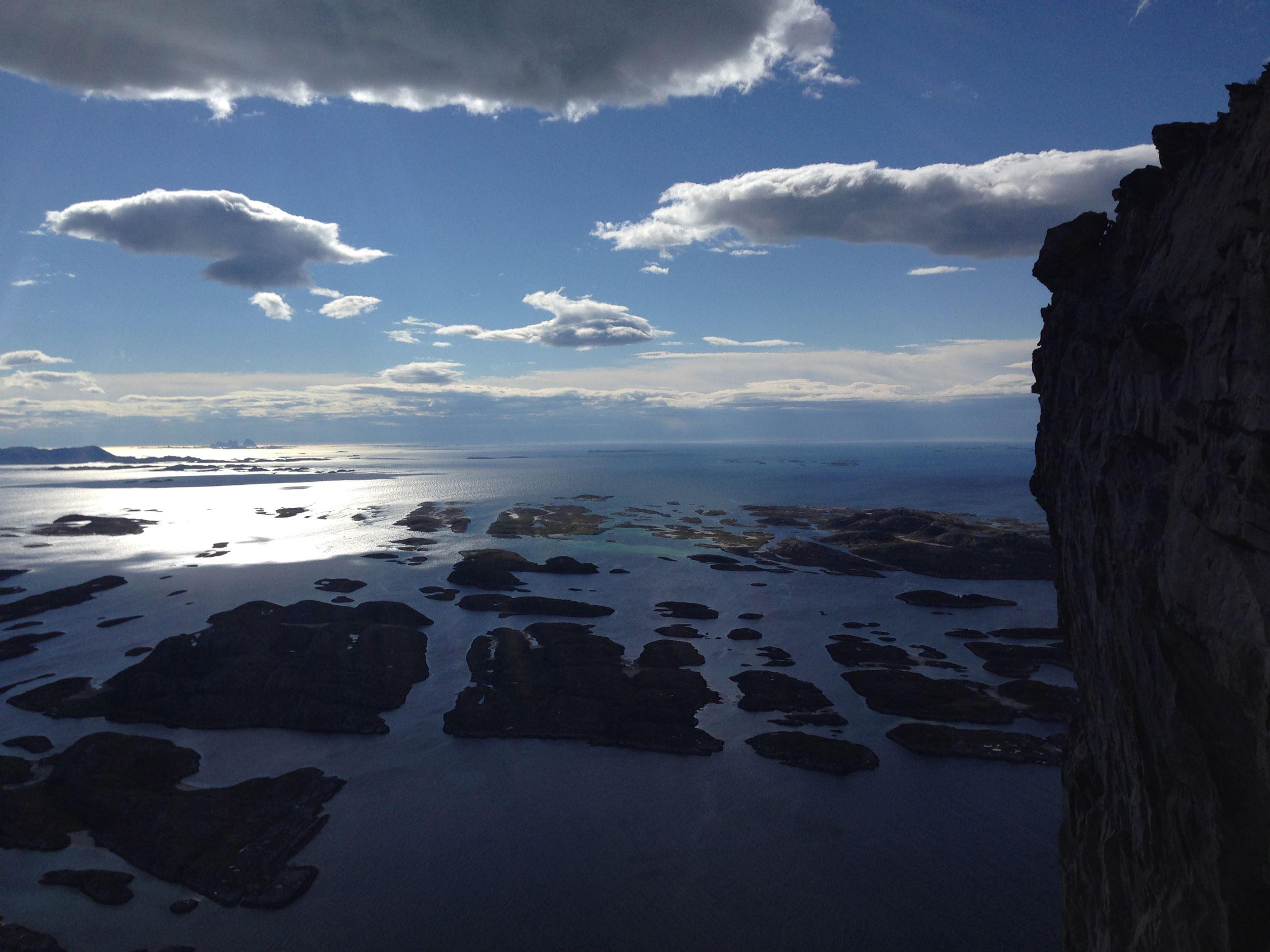 Guided tour on Rødøyløva Mountain (440 m.a.s.l.)