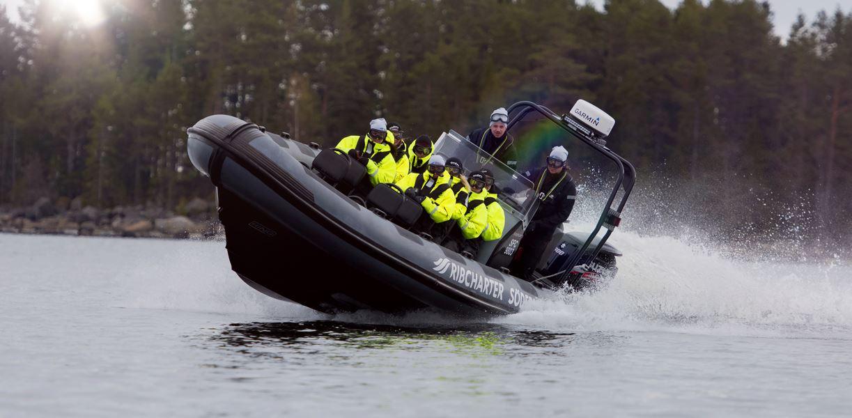 RIB-båt till Quizzen på Stenö - Tisdagar