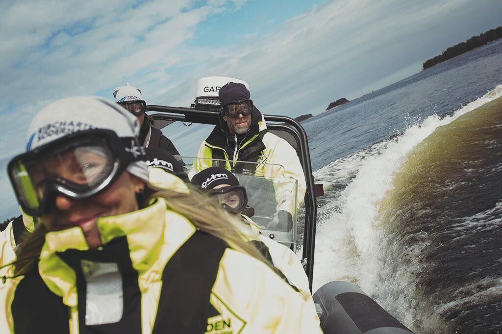 RIB båt till Quizzen på Stenö - Tisdagar