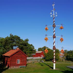 Juhannus Jan Karlsgårdenissa Sundissa