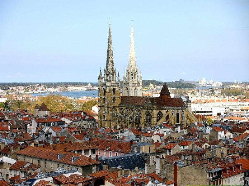 La tour sud de la cathédrale
