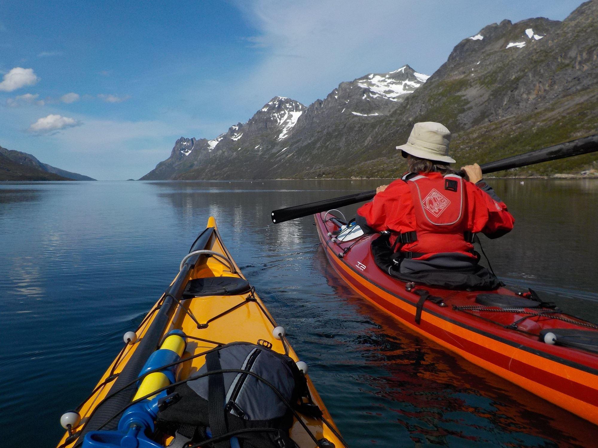 Sea kayaking day trip Kvaløya – Elements Arctic Camp