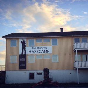 Bilde av utsiden av Vadsø Fjordhotell