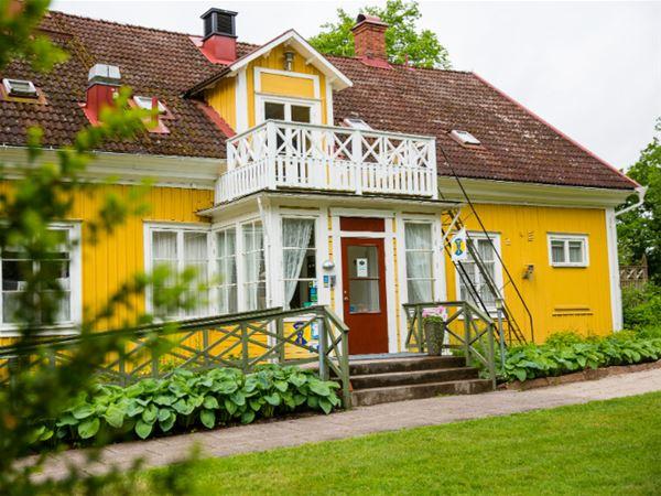STF Ljuder/Grimsnäs Herrgård B&B