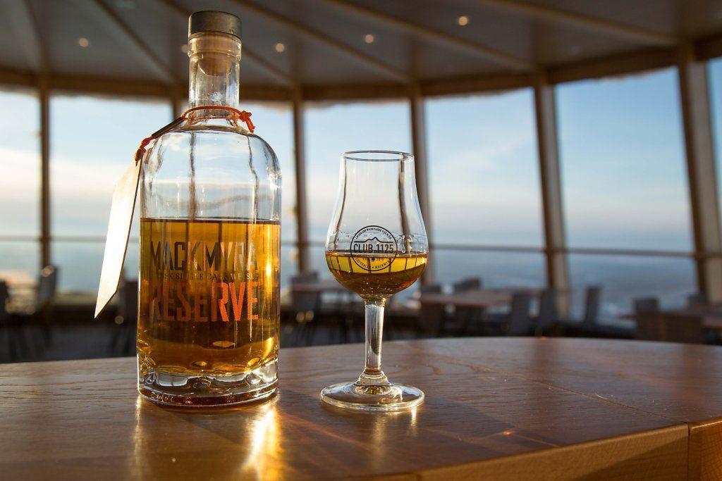 Bild på mackmyra whisky i Lofsdalen Skybar