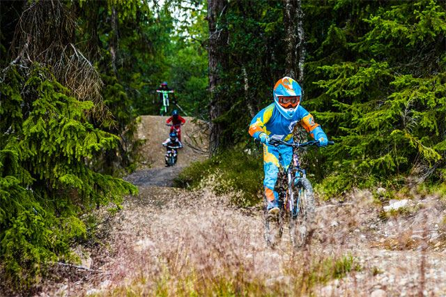 Downhill with guide
