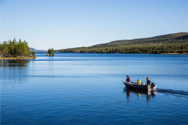 Bild på fiske med båt