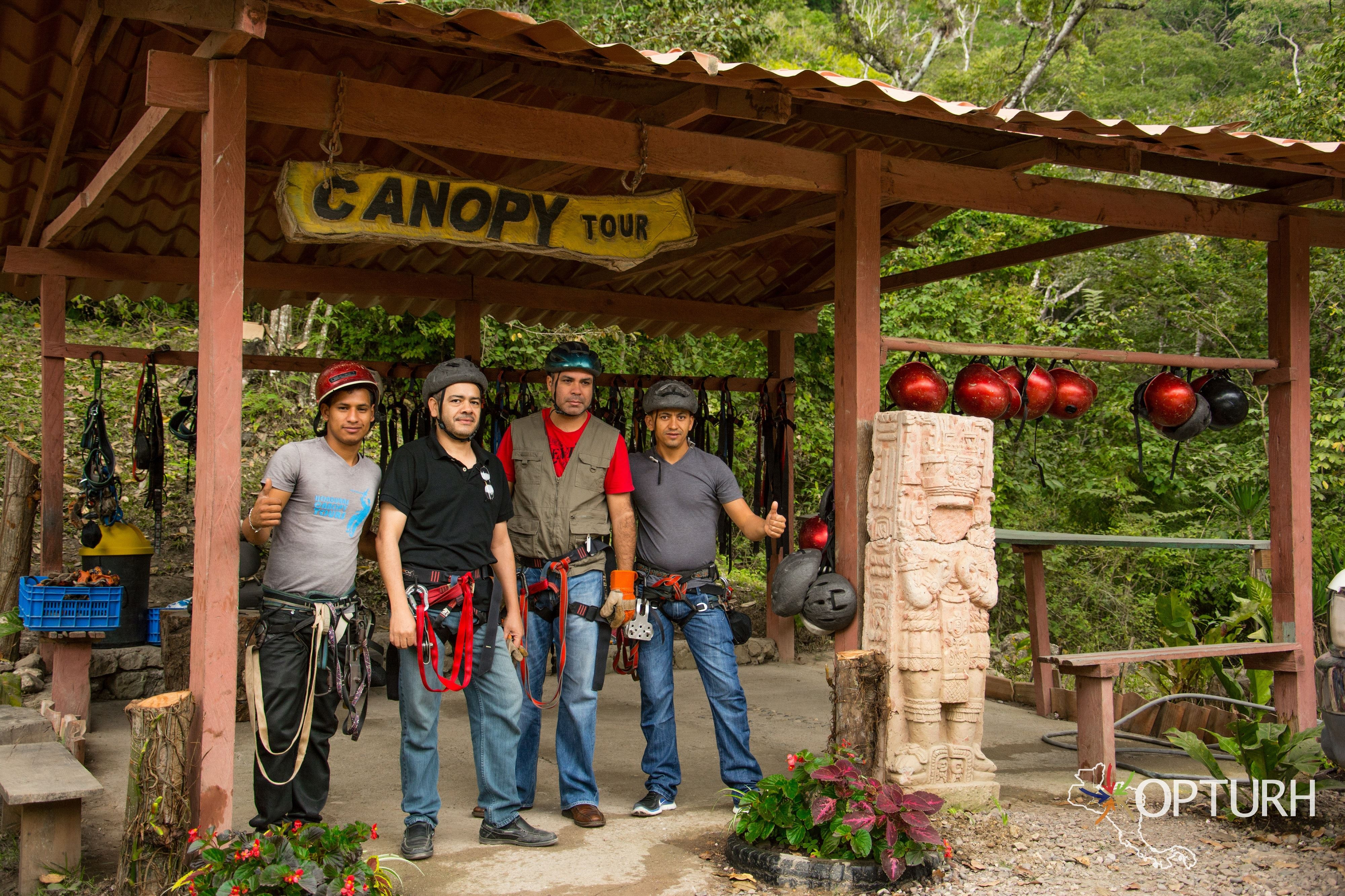 Copán Canopy Tour & Macaw Mountain