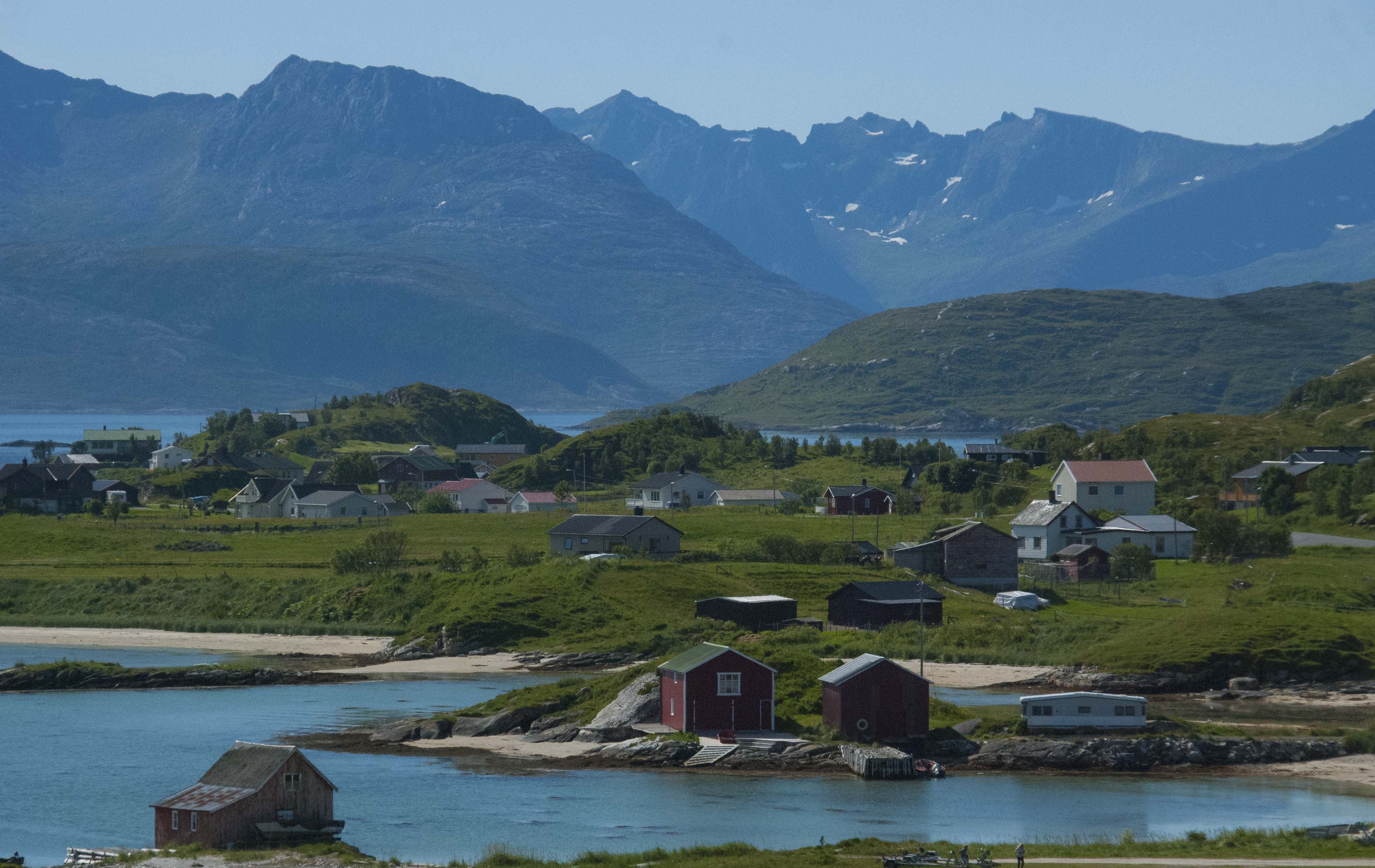 Discover the fjords of Kvaløya Island by car - The Green Adventure