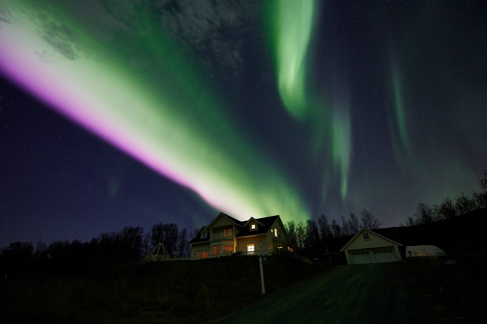 Crystal Lavvo Aurora overnight - Green Gold of Norway