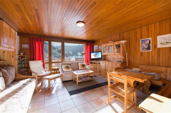 3 pièces 6 personnes skis aux pieds / RESIDENCE 1650 29 (Montagne de Charme) / Séjour Sérénité